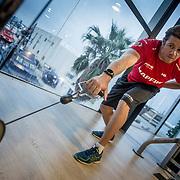 Sesión de fuerza en el gimnasio Holiday Gym de Alicante. Strength gym session at the Holiday Gym in Alicante.