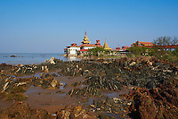 Myanmar (ex Birmanie), Province de Mon, environs de  Mawlamyine (Moulmein), Kyaikkami, Paya Yele // Myanmar (Burma), Mon state, around Mawlamyine (Moulmein), Kyaikkami, Paya Yele