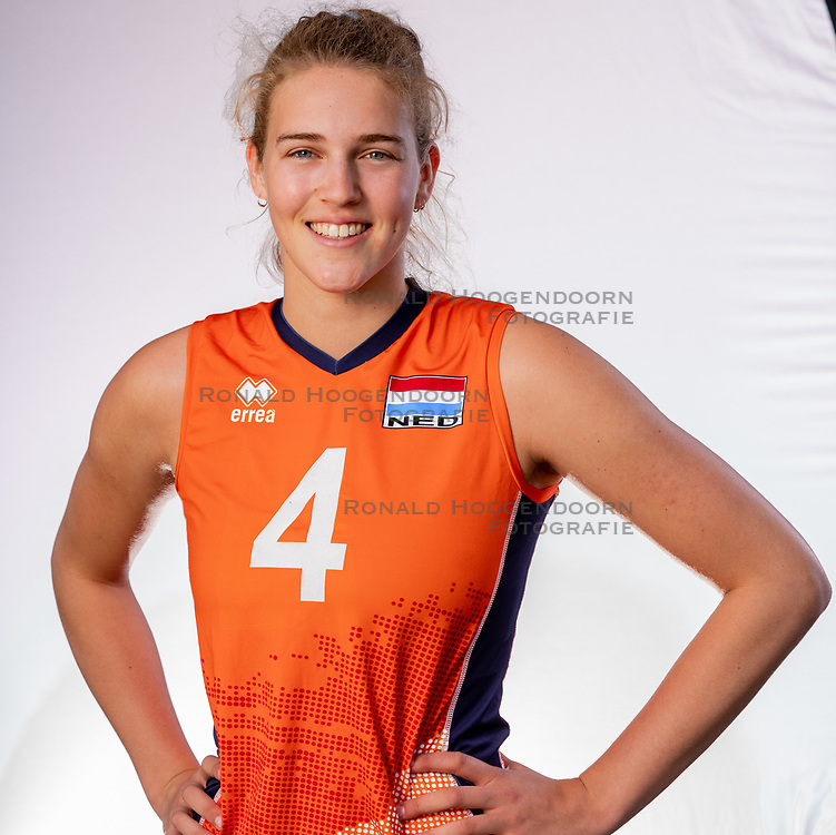 Jolien Knollema of Netherlands, Photoshoot selection of Orange women's youth volleybal team season 2021on june 15, 2021 in Arnhem, Netherlands (Photo by RHF Agency/Ronald Hoogendoorn)