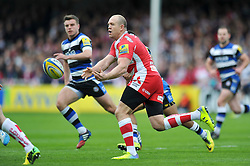 Mike Tindall (Gloucester) passes the ball - Photo mandatory by-line: Patrick Khachfe/JMP - Tel: Mobile: 07966 386802 12/04/2014 - SPORT - RUGBY UNION - Kingsholm Stadium, Gloucester - Gloucester Rugby v Bath Rugby - Aviva Premiership.