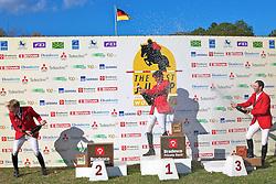 Tim Rieskamp-Goedeking (E), Hans-Torben Ruder e Carlos Milthaler (D) durante o The Best Jump 2012, na Sociedade Hípica Porto Alegrense. FOTO: Jefferson Bernardes/Preview.com
