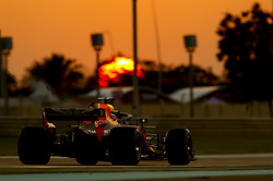 November 24, 2018 - Abu Dhabi, United Arab Emirates - Motorsports: FIA Formula One World Championship 2018, Grand Prix of Abu Dhabi, World Championship;2018;Grand Prix;Abu Dhabi,   Sunset#3 Daniel Ricciardo (AUS, Red Bull Racing) (Credit Image: © Hoch Zwei via ZUMA Wire)