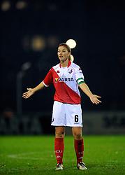 12-11-2009 VOETBAL: FC UTRECHT -AZ VROUWEN: UTRECHT<br /> Utrecht verliest met 1-0 van AZ / Anouk Hoogendijk <br /> ©2009-WWW.FOTOHOOGENDOORN.NL