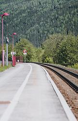 THEMENBILD - ein leerer Bahnsteig und Zuggleise der Pinzgauer Lokalbahn, aufgenommen am 08. Mai 2020, Bramberg, Österreich // an empty platform and train tracks of the Pinzgauer Lokalbahn on 2020/05/08, Bramberg, Austria. EXPA Pictures © 2020, PhotoCredit: EXPA/ Stefanie Oberhauser