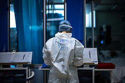 © Licensed to London News Pictures. 05/02/2021. Oldham , UK . Pharmacist MEGAN ARNOLD working on the ward . Inside Royal Oldham Hospital's Covid ITU where patients, most of them unconscious , are treated for the effects of Coronavirus . Photo credit : Joel Goodman/LNP