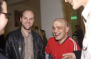 Gavin Turk and Franko B. Art Review party to celebrate first year under the editorshoip of Meredith Etherington Smith. David Gill Gallery. Kennington. 15 October 2002. © Copyright Photograph by Dafydd Jones 66 Stockwell Park Rd. London SW9 0DA Tel 020 7733 0108 www.dafjones.com