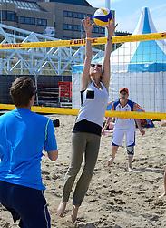 20150627 NED: WK Beachvolleybal day 2, Scheveningen<br /> Nederland heeft er sinds zaterdagmiddag een vermelding in het Guinness World Records bij. Op het zonnige strand van Scheveningen werd het officiële wereldrecord 'grootste beachvolleybaltoernooi ter wereld' verbroken. Maar liefst 2355 beachvolleyballers kwamen zaterdag tegelijkertijd in actie / Laura Goense
