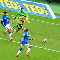 21.11.2020, OLympiastadion, Berlin, GER, DFL, 1.FBL, Hertha BSC VS. Borussia Dortmund, <br /> DFL  regulations prohibit any use of photographs as image sequences and/or quasi-video<br /> im Bild Omar Alderete (Hertha BSC Berlin #14), Alexander Schwolow (Hertha BSC Berlin #1), Marvin Plattenhardt (Hertha BSC Berlin #21),<br /> Erling Haaland (Borussia Dortmund #9)<br /> <br />       <br /> Foto © nordphoto / Engler