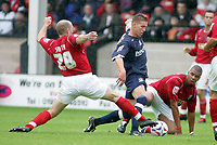 Fotball<br /> England 2005/2006<br /> Foto: SBI/Digitalsport<br /> NORWAY ONLY<br /> <br /> Walsall v Southend<br /> Coca Cola League One<br /> 13/08/2005.<br /> <br /> Freddy Eastwood tries to go past Paul Smith and Julian Bennett