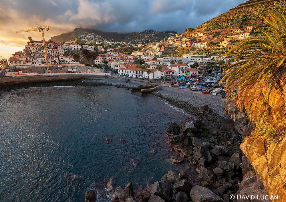 Câmara de Lobos is a charming fishing town, located five kilometers from Funchal.