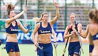 ROSARIO - Vreugde na een doelpunt. Het Nederlands hockeyteam traint woensdag , met Naomi van As, Kim Lammers en Marilyn Agliotti (vlnr),  bij hoge temperaturen voor de wedstrijd van donderdag tegen Nieuw Zeeland, tijdens de Champions Trophy Hockey. ANP KOEN SUYK