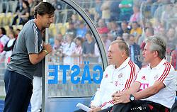 14.07.2011, Ernst-Abbe-Sportfeld, Jena, GER, Benefizspiel, Carl Zeis Jena vs FC Bayern im Bild ..Trainer Heiko Weber (Jena) im Gespräch mit Co-Trainer Herrmann Gerland und Trainer Jupp Heynckes (beide Bayern München) ..  //during the freindlc match between Carl Zeis Jena - FC Bayern 2011/07/14   EXPA Pictures © 2011, PhotoCredit: EXPA/ nph/  Hessland       ****** out of GER / CRO  / BEL ******