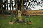 Jardin de l'ancienne église catholique reconvertie en salle de mariage, Anvil Hall / Anvill Hall (ex-catholic church) garden