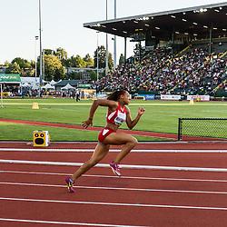 womens 200 meters, start, Kaylin Whitney, USA