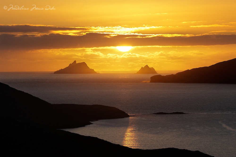 Skellig Sunset overlooking Ballinskelligs Bay, County Kerry, Ireland ****** <br /> <br /> Visit & browse through my Photography & Art Gallery, located on the Wild Atlantic Way & Skellig Ring between Waterville and Ballinskelligs (Skellig Coast R567), only 3 minutes from the main Ring of Kerry road.<br /> https://goo.gl/maps/syg6bd3KQtw<br /> <br /> ******<br /> <br /> Contact: 085 7803273 from an Irish mobile phone or +353 85 7803273 from an international mobile phone