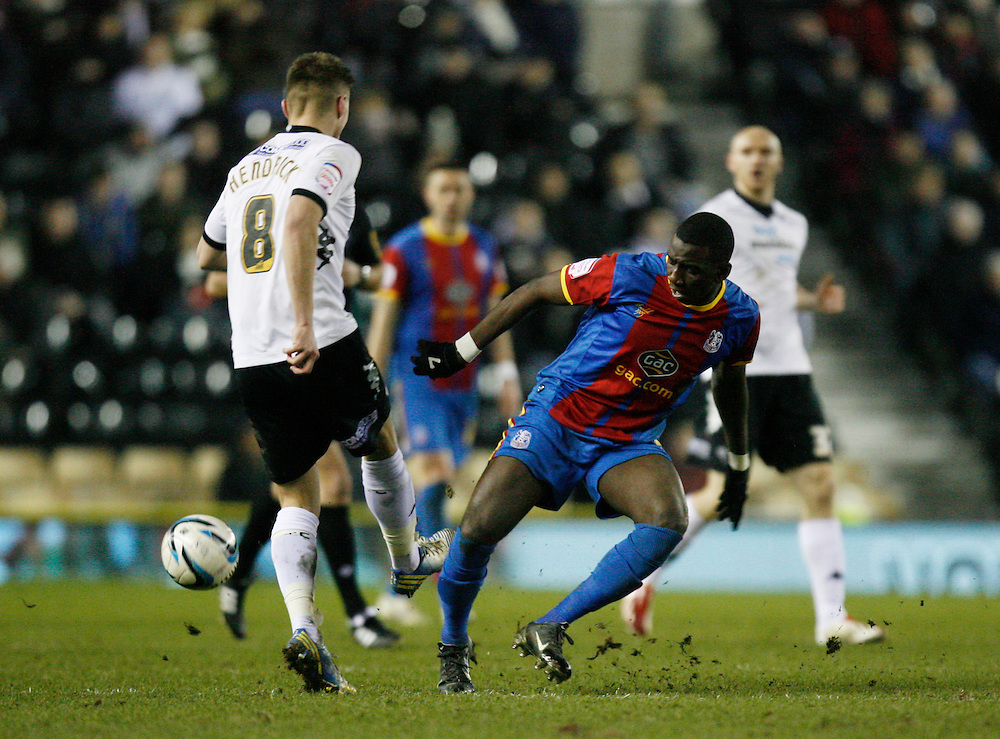 Derby County's Jeff Hendrick (L) and Crystal Palace's Yannick Bolasie in action   ...Football - npower Football League Championship - Derby County v Crystal Palace - Friday 01st March 2013 - Pride Park - Derby..© CameraSport - 43 Linden Ave. Countesthorpe. Leicester. England. LE8 5PG - Tel: +44 (0) 116 277 4147 - admin@camerasport.com - www.camerasport.com