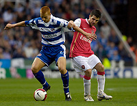 Photo: Daniel Hambury.<br />Reading v Arsenal. The Barclays Premiership. 22/10/2006.<br />Reading's Steve Sidwell battles with man of the match,  Arsenal's Cesc Fabregas.