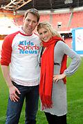 kick off Kids Sports News in de Amsterdfam ArenA<br /> <br /> OP de foto:  Sipke Jan Bousema en Maud