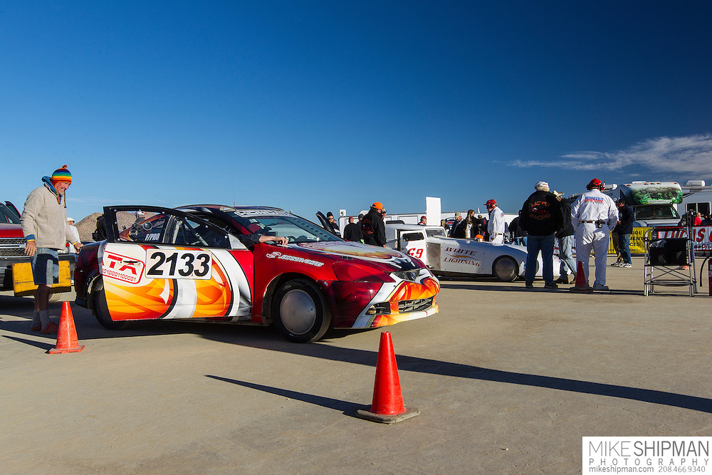 Macmillan - Corbin Racing, 2133, eng F, body PRO, driver K Corbin, 149.967 mph, record 156.764 and Lattin & Stevens, 69, White Lightning, eng XXF, body FCC, driver Bill Lattin, 182.004, previous record 160.000 at the start line