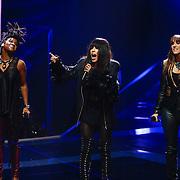 NLD/Hilversum/20121214 - Finale The Voice of Holland 2012, opening door Leona Phillipo, Loreen en Floortje Smit