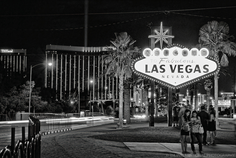 """Classic """"Welcome to Las Vegas"""" Neon Sign"""