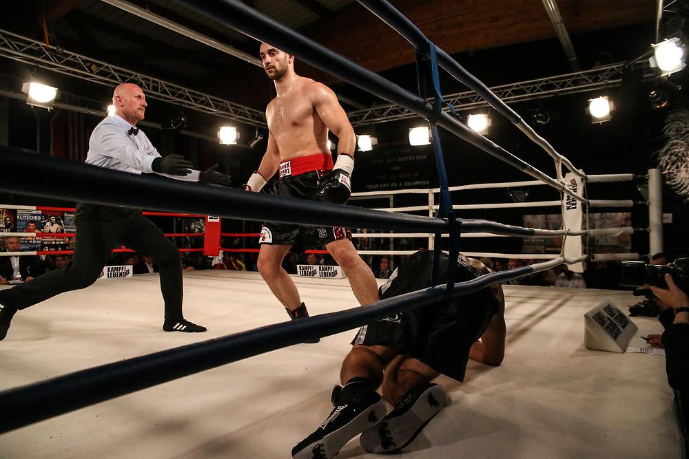 Boxen: Hafen Rumble, Schwergewicht, Hamburg, 22.09.2018<br /> Mohammed Soltby (GER) - Csaba Schrammel (HUN)<br /> © Torsten Helmke