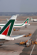 Aeroporto di Malpensa: aerei Alitalia. Malpensa Airport: air Alitalia