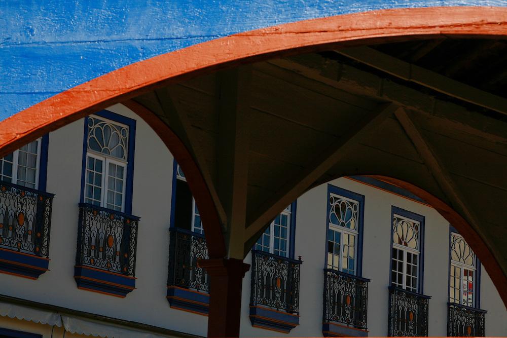 Diamantina_MG, Brasil...Diamantina_MG, Brasil...Antigo Mercado dos Tropeiros (atual Mercado Municipal) na praca Barao de Guaicui em Diamantina, Minas Gerais...The ancient Mercado dos Tropeiros (the current Mercado Muncipal) in the Barao de Guacui square in Diamantina, Minas Gerais...Foto: LEO DRUMOND / NITRO
