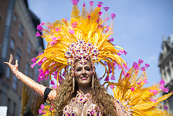 August 28, 2017 - London, LONDON, UK - LONDON, UK.  Dancers perform on the second day of the  the Notting Hill Carnival, London, on Monday August 28, 2017. (Credit Image: © Isabel Infantes/London News Pictures via ZUMA Wire)