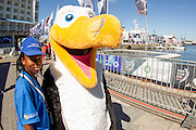 Local Cape Town volunteers during the Cape Town stopover of the 2014-2015 Volvo Ocean Race. Image by Greg Beadle (Beadle/Lexar)