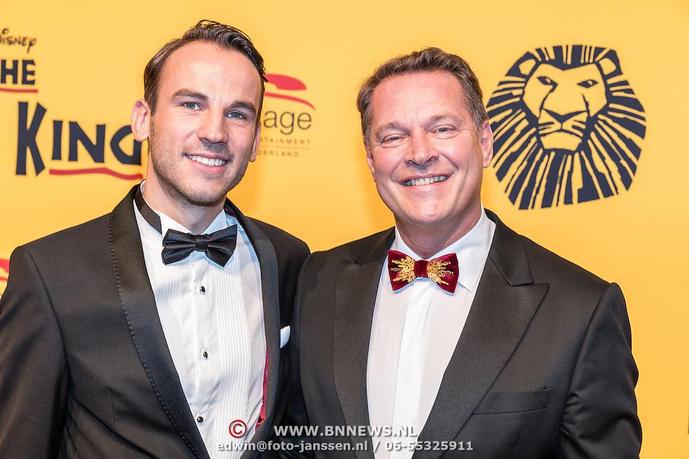 NLD/Scheveningen/20161030 - Premiere musical The Lion King, Albert Verlinde en partner Kevin Brouwer