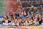DESCRIZIONE : Supercoppa 2015 Finale EA7 Emporio Armani Milano - Grissin Bon Reggio Emilia<br /> GIOCATORE : team<br /> CATEGORIA : esultanza postgame premiazione<br /> SQUADRA : Grissin Bon Reggio Emilia<br /> EVENTO : Supercoppa 2015<br /> GARA : EA7 Emporio Armani Milano - Grissin Bon Reggio Emilia<br /> DATA : 27/09/2015<br /> SPORT : Pallacanestro <br /> AUTORE : Agenzia Ciamillo-Castoria/Max.Ceretti