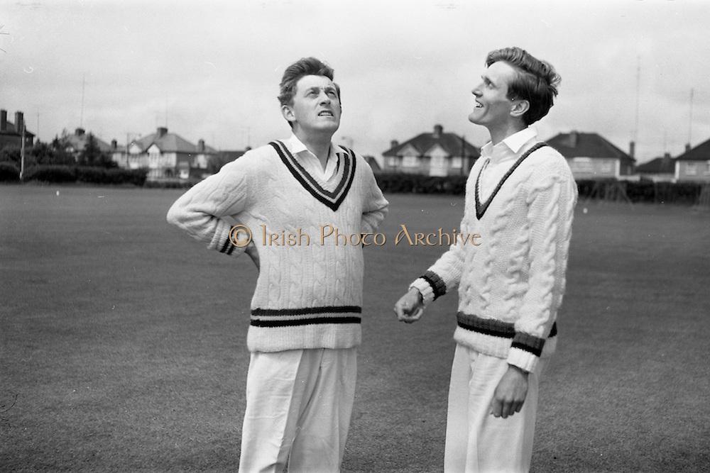 22/05/1964<br /> 05/22/1964<br /> 22 May 1964<br /> Interprovincial Cricket : Leinster v Munster at Old Belvedere Ground, Dublin. Rival Captains, I.W. Lewis (Munster) left and D. Pratt (Leinster) toss-up before the match.