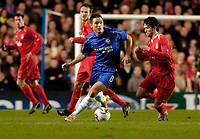 Photo: Leigh Quinnell.<br /> Chelsea v Liverpool. UEFA Champions League. <br /> 06/12/2005. Chelseas Frank Lampard looks for the pass.
