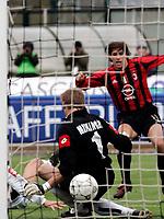 Siena, 17 / 04 / 2005 Campionato di calcio di serie A 2004 - 2005 31a Giornata - Siena Vs Milan -<br /> <br /> <br /> <br /> il gol del vantaggio del milan di hernan crespo