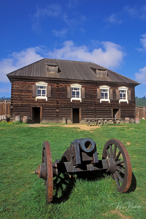 Cannon and officers residence at Fort Ross, Fort Ross State Historic Park (National Historic Site), Sonoma County, California