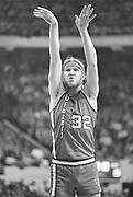 Bill Walton, Blazers vs Celtics, Boston Garden arena, October 31, 1975