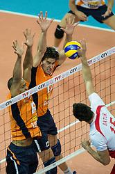 01-07-2012 VOLLEYBAL: EUROPEAN LEAGUE TURKIJE - NEDERLAND: ANKARA<br /> Nederland wint de European League 2012 door Turkije met 3-2 te verslaan / <br /> Tony Krolis (#6 NED), Wytze Kooistra (#12 NED) - Emre Batur (#15 TUR)<br /> ©2012-FotoHoogendoorn.nl/Conny Kurth