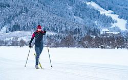 THEMENBILD - eine Langläuferin auf einer Loipe mit Winterlandschaft und der Burg Kaprun, aufgenommen am 4. Feber 2018 in Zell am See, Österreich // a female cross-country skier on a ski trail with a winter landscape and Kaprun Castle, Zell am See, Austria on 2018/02/04. EXPA Pictures © 2018, PhotoCredit: EXPA/ JFK