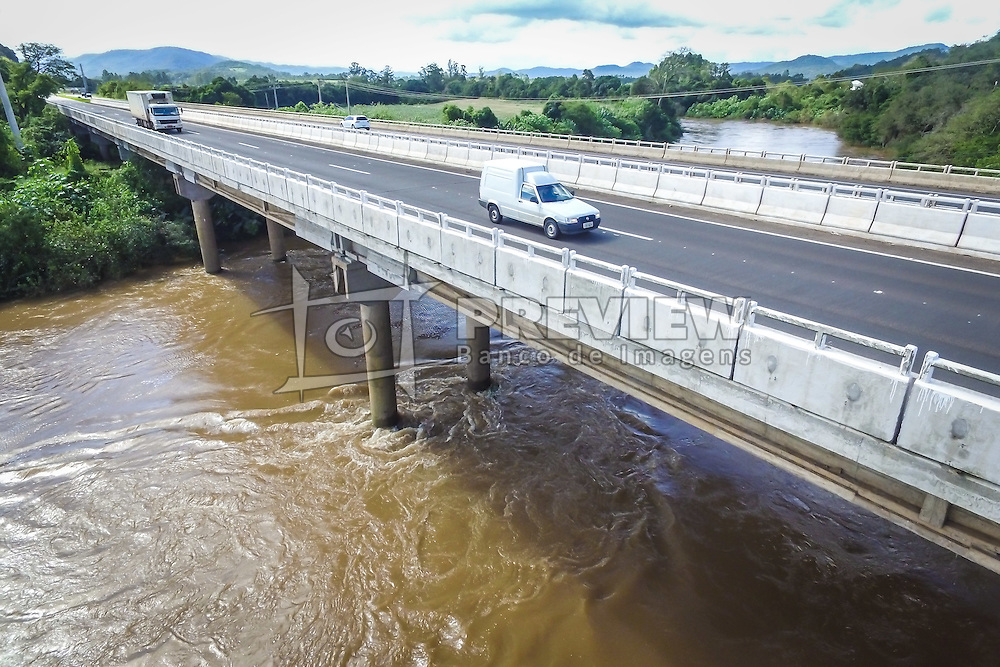 Banco de imagens das rodovias administradas pela EGR - Empresa Gaúcha de Rodovias. ERS-122 Ponte sobre o Rio Caí. FOTO: Jefferson Bernardes/ Agencia Preview
