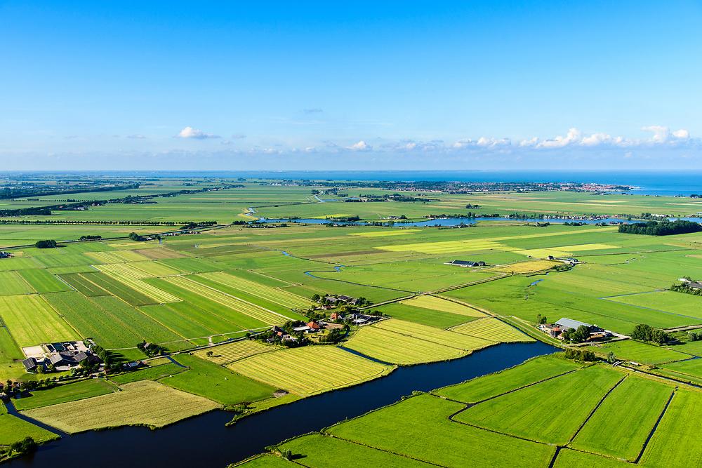 Nederland, Noord-Holland, Gemeente Waterland, 13-06-2017; Overleek met zicht op polder De Purmer, Purmer EE en IJsselmeer (Volendam-Edam) in de achtergrond.<br /> Waterland and Polder Purmer.<br /> luchtfoto (toeslag op standaard tarieven);<br /> aerial photo (additional fee required);<br /> copyright foto/photo Siebe Swart