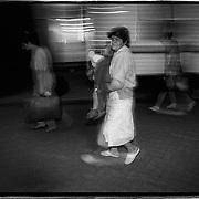Nederland-Zuidlaren (DR)-03-08-1992.<br /> Aankomst asielzoekers in voormalige Kazerne.<br /> Foto: Sake Elzinga