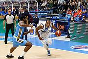 DESCRIZIONE : Capo dOrlando Lega A 2015-16 Betaland Orlandina Basket Vanoli Cremona<br /> GIOCATORE : Laurence Bowers <br /> CATEGORIA : Penetrazione  Palleggio<br /> SQUADRA : Betaland Orlandina Basket<br /> EVENTO : Campionato Lega A Beko 2015-2016 <br /> GARA : Betaland Orlandina Basket Vanoli Cremona<br /> DATA : 15/11/2015<br /> SPORT : Pallacanestro <br /> AUTORE : Agenzia Ciamillo-Castoria/G.Pappalardo<br /> Galleria : Lega Basket A Beko 2015-2016<br /> Fotonotizia : Capo dOrlando Lega A Beko 2015-16 Betaland Orlandina Basket Vanoli Cremona