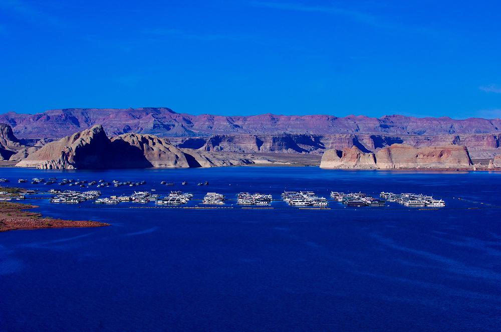 Wahweap Marina, Wahweap Bay, Lake Powell, Glen Canyon National Recreation Area, near Page, Arizona USA