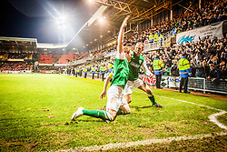 Hibernian's Liam Craig celebrates after scoring their second goal, with Hibernian's James Collins.<br /> Dundee United 2 v 2 Hibernian, Scottish Premiership game today at Tanadice.