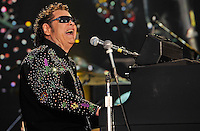 NASHVILLE, TN - JUNE 08:  Ronnie Milsap performs at LP Field during the 2012 CMA Music Festival on June 8, 2012 in Nashville, Tennessee.  (Photo by Frederick Breedon IV) Photo © Frederick Breedon. All rights reserved. Unauthorized duplication prohibited.