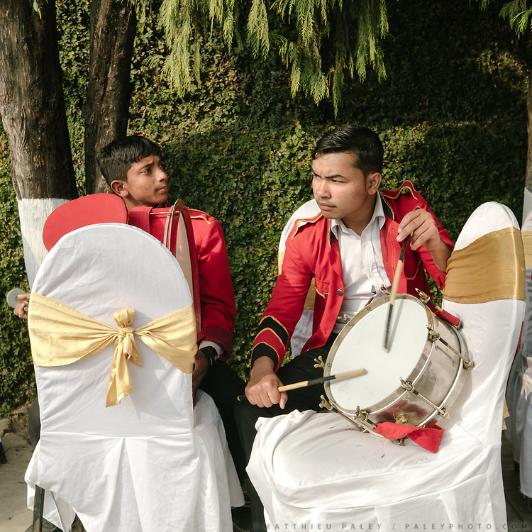 Musicians parade. Wedding from Akriti Shrestha (Newari tribe) with Saumitra Dixit (Indian man from Jaipur, Rajasthan).<br /> Last day of the Hindu wedding. The Bride leave her home.