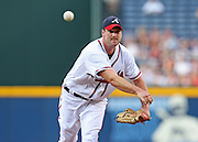 ATLANTA - JUNE 30:  Pitcher Derek Lowe #32 of the Atlanta Braves throws a pitch of the Philadelphia Phillies during the game against the Philadelphia Phillies at Turner Field on June 30, 2009 in Atlanta, Georgia.  (Photo by Mike Zarrilli/Getty Images)