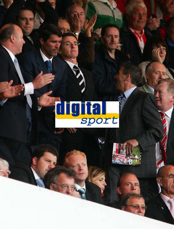 Photo: Andrew Unwin.<br /> Sunderland v West Bromwich Albion. Coca Cola Championship. 28/08/2006.<br /> Sunderland's new manager, Roy Keane (L), celebrates at the end of the game.
