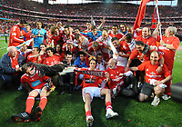20100509: LISBON, PORTUGAL - SL Benfica vs Rio Ave: Portuguese League 2009/2010, 30th round. In picture: Benfica players and staff celebrating winning the Portuguese League 2009/2010. PHOTO: Alvaro Isidoro/CITYFILES